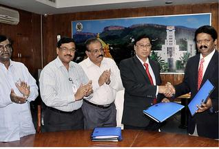 Alliance:SVU Vice-Chancellor W.Rajendra after signing the MoU with NCRM Director Samuel J.K. Abraham in Tirupati last week.–Photo: BY arrangement
